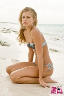 帕薇:來自夏威夷的彩繪泳裝天使