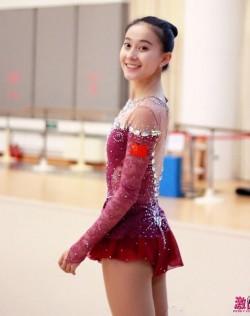 張豆豆: 無死角體操女神21歲就退役當教練