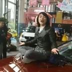 薛春豔:坐在奔馳車哭而爆紅的漏油新車主