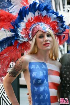 紐約時代廣場的美國彩繪巡遊