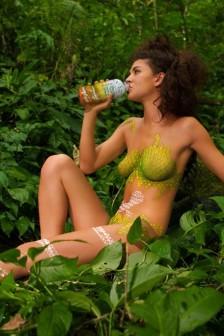 潔西卡:叢林與街道上靚麗人體彩繪